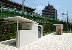 駅前広場に設置されたエコサイクル(2基)