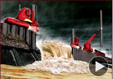 集中豪雨で河川堤防決壊