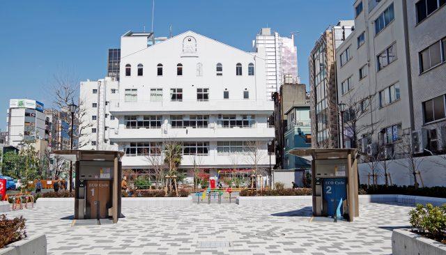港区立桜田公園内に2基設置されたエコサイクル